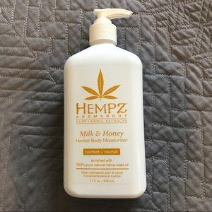 HEMPZ Milk & Honey lotion